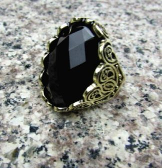 Vintage Style Black Glass Ring