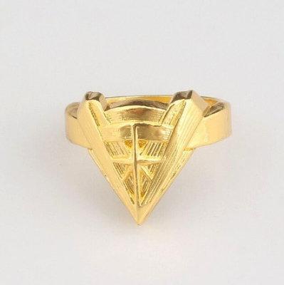 Wonder Woman Chevron Ring - Gold